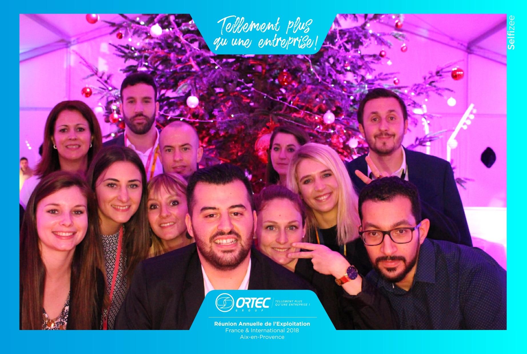Animation selfie box pour animation soirée Noël du groupe Ortec à Aix en Provence avec impressions photos personnalisées en 2018