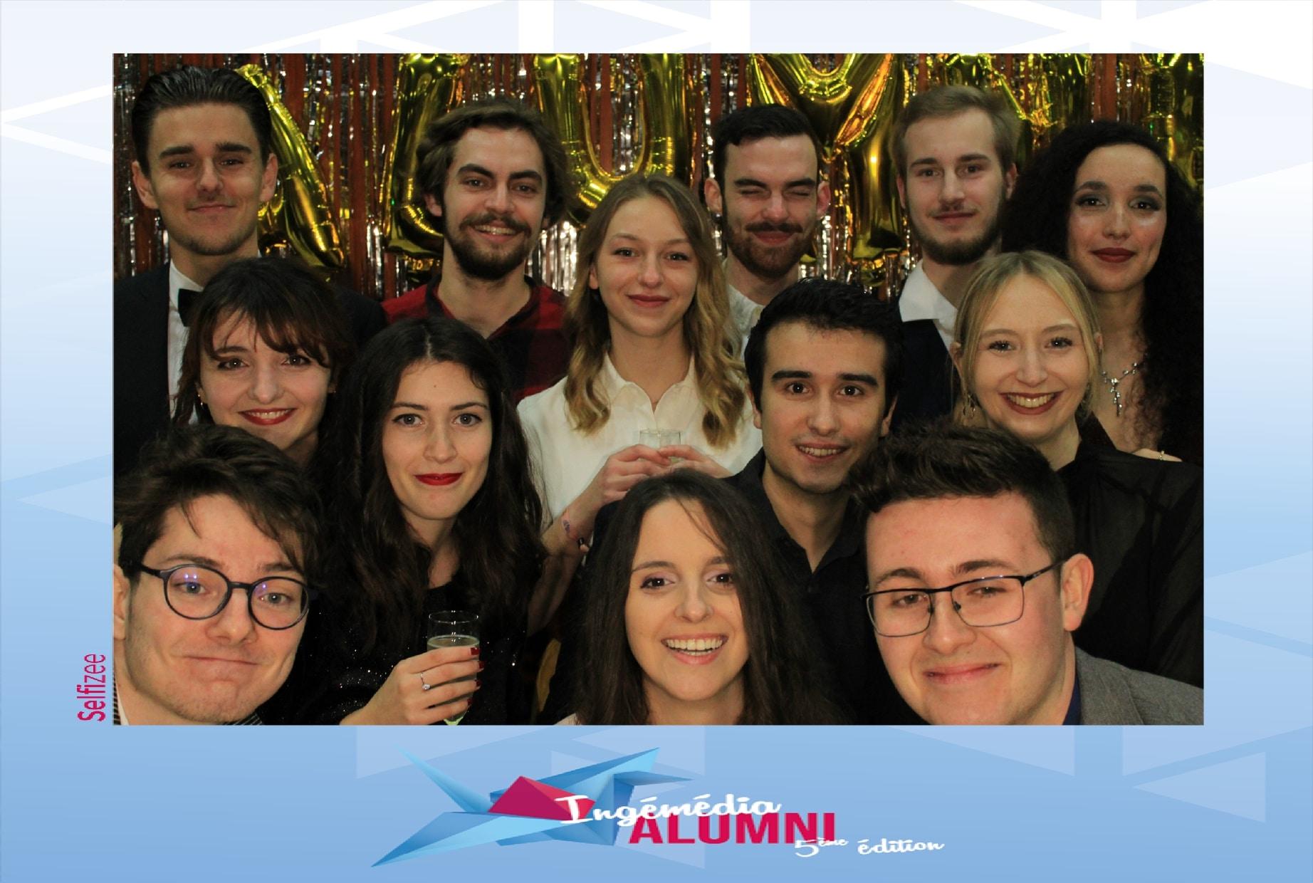 Animation borne photo à la 5ème édition journée Alumni Ingémédia de l'université de Toulon avec selfies personnalisés étudiants et diplômés lors de la soirée