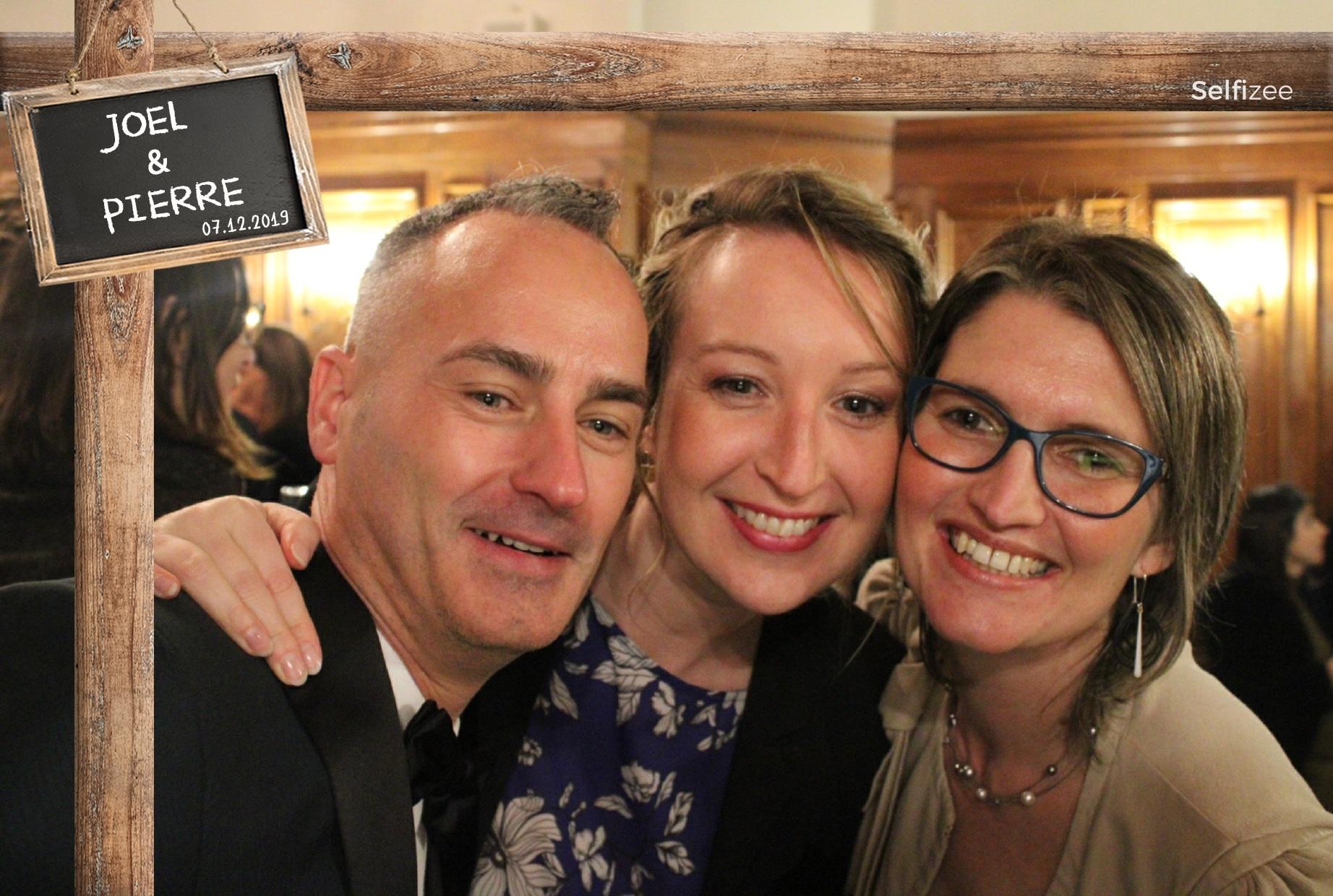 Animation photo mariage à Redon - location borne selfie avec tirages photos personnalisées pour mariage, anniversaire, soirée, fête en Ille et Vilaine / Bretagne