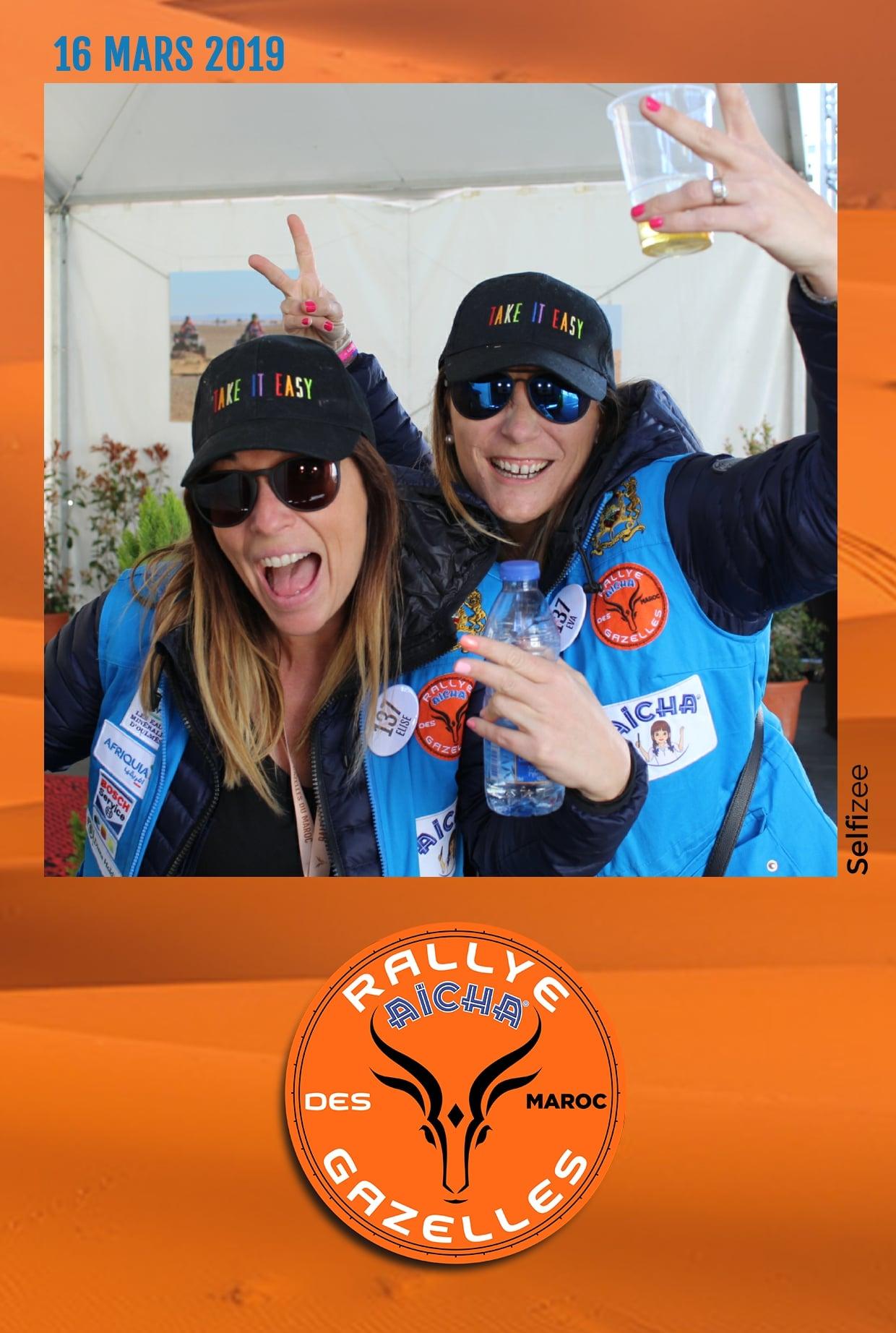 Borne selfie et animation photo au départ à Nice du rallye Aïcha des Gazelles du Maroc 2019