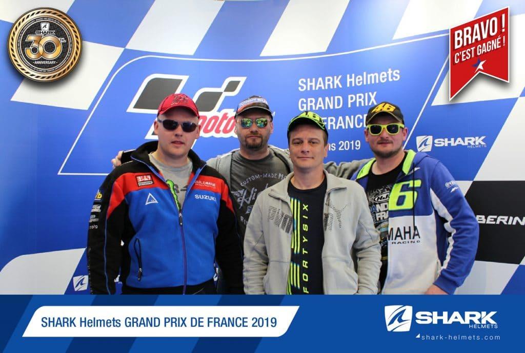 Borne photo selfie avec photo gagnante tirage au sort au Grand Prix Moto GP du Mans