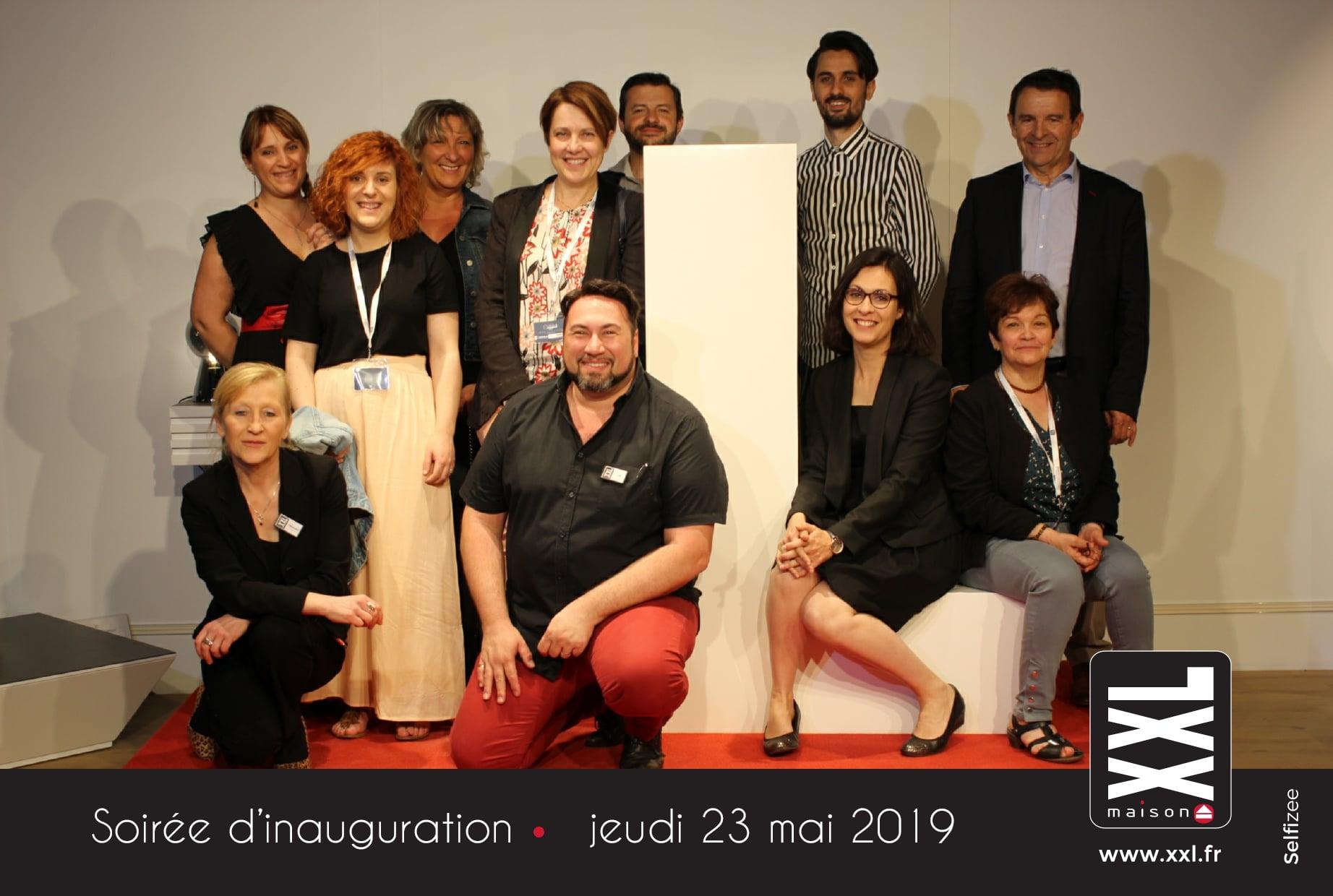 Borne photo connectée avec impressions selfies à la soirée d'inauguration magasin XXL Maison Riom près de Clermont Ferrand