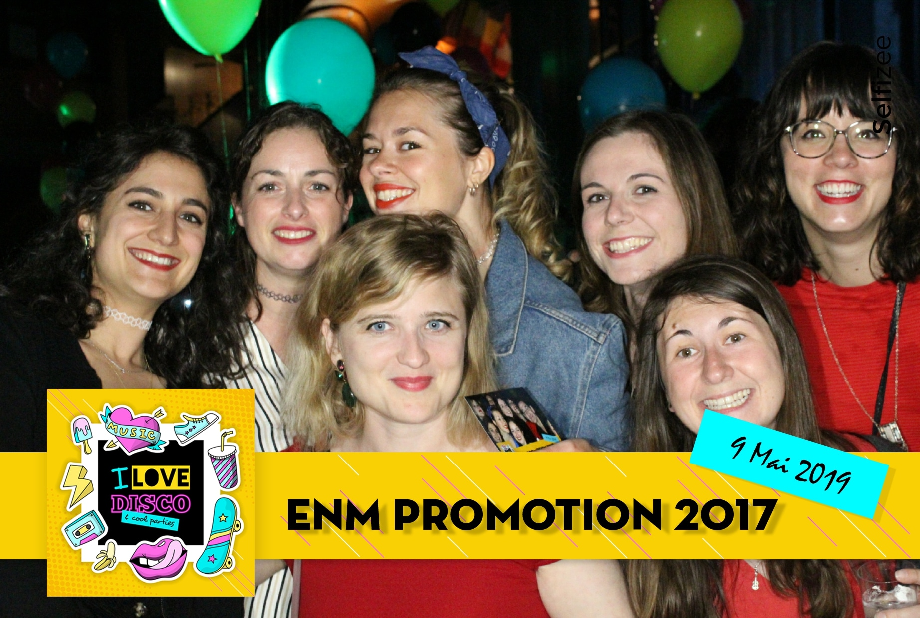 Animation box photo pour fête remise des diplômes de l'école ENM à Bordeaux - borne selfie interactive avec imprimante à louer pour événement