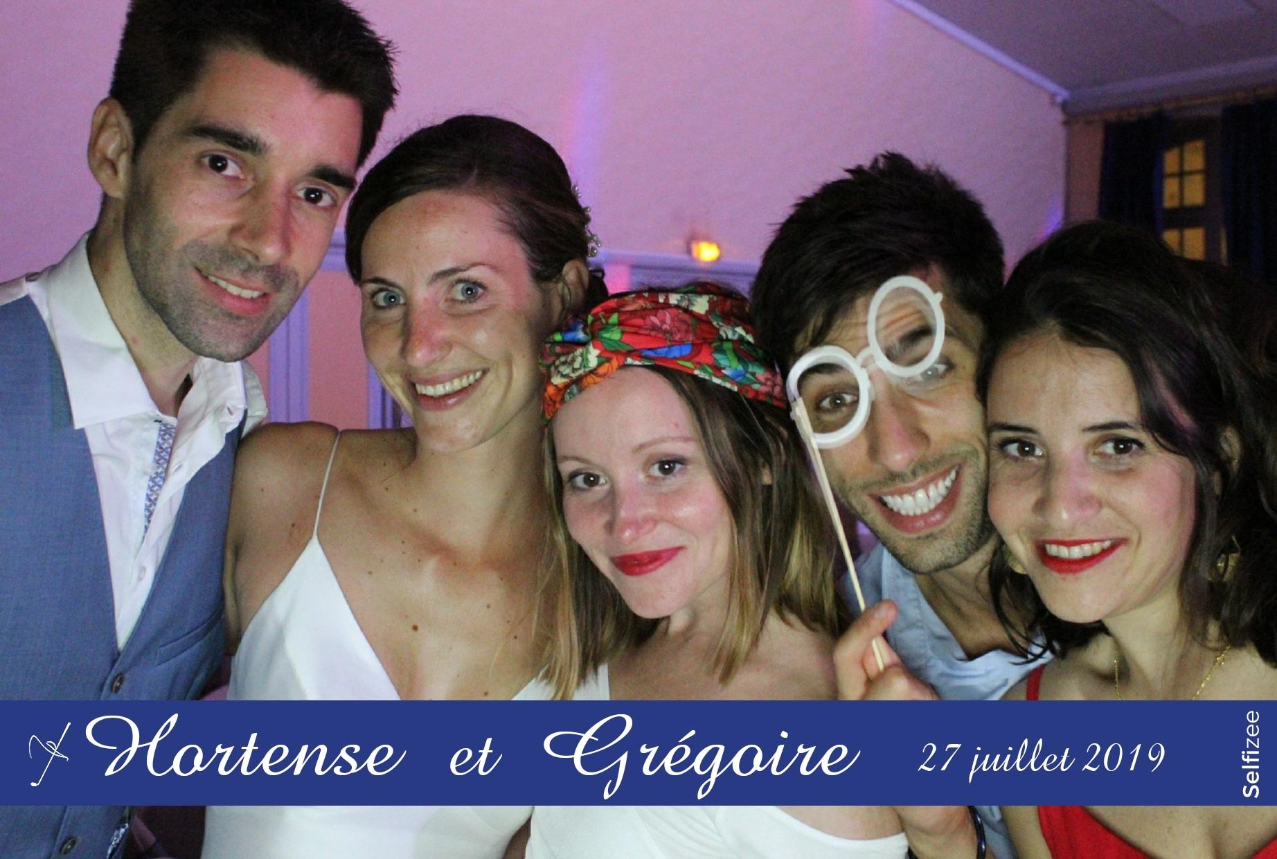Animation selfie box mariage à Bordeaux et en Gironde avec impressions photos personnalisées