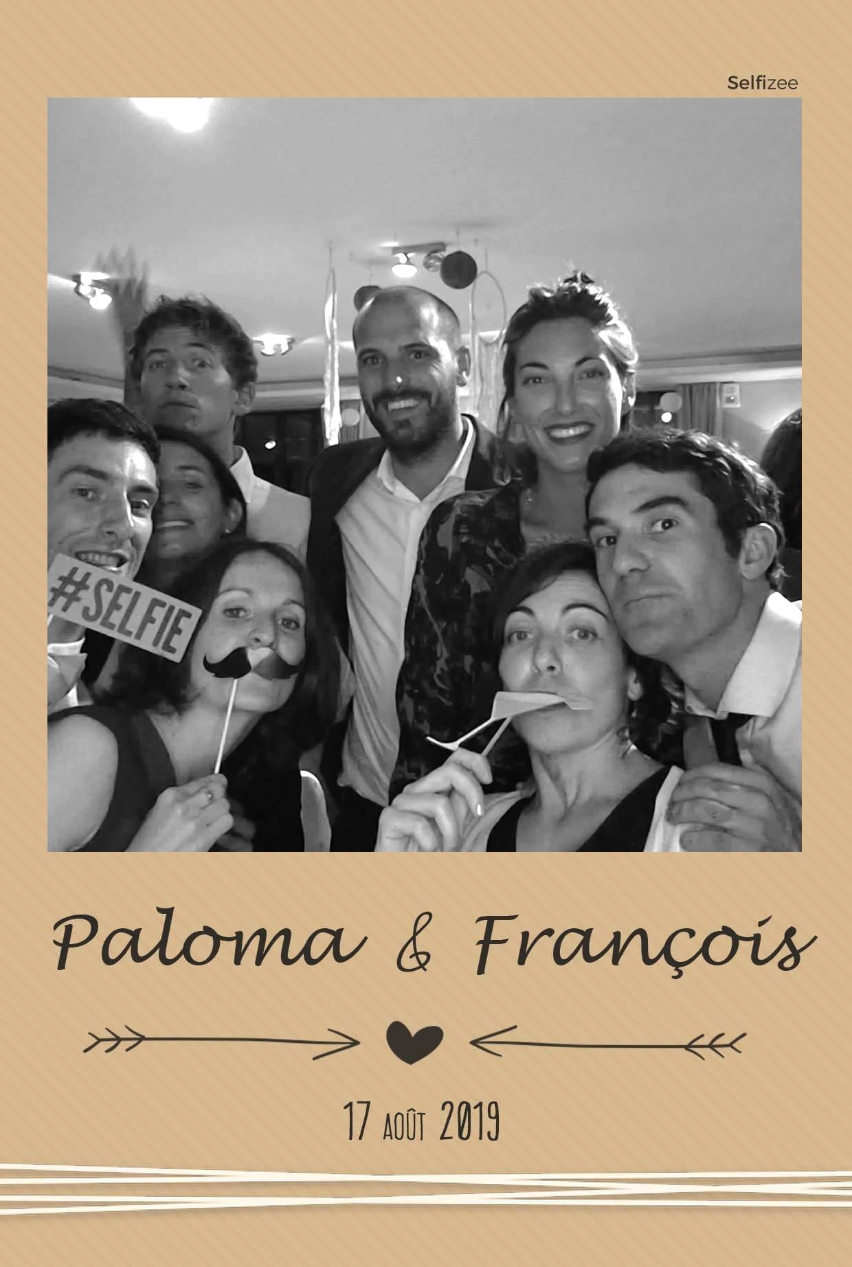 Photobooth connecté et selfies personnalisés mariage - location borne photo Niort et en Deux Sèvers pour animation mariage, anniversaire, fête, soirée, baptême