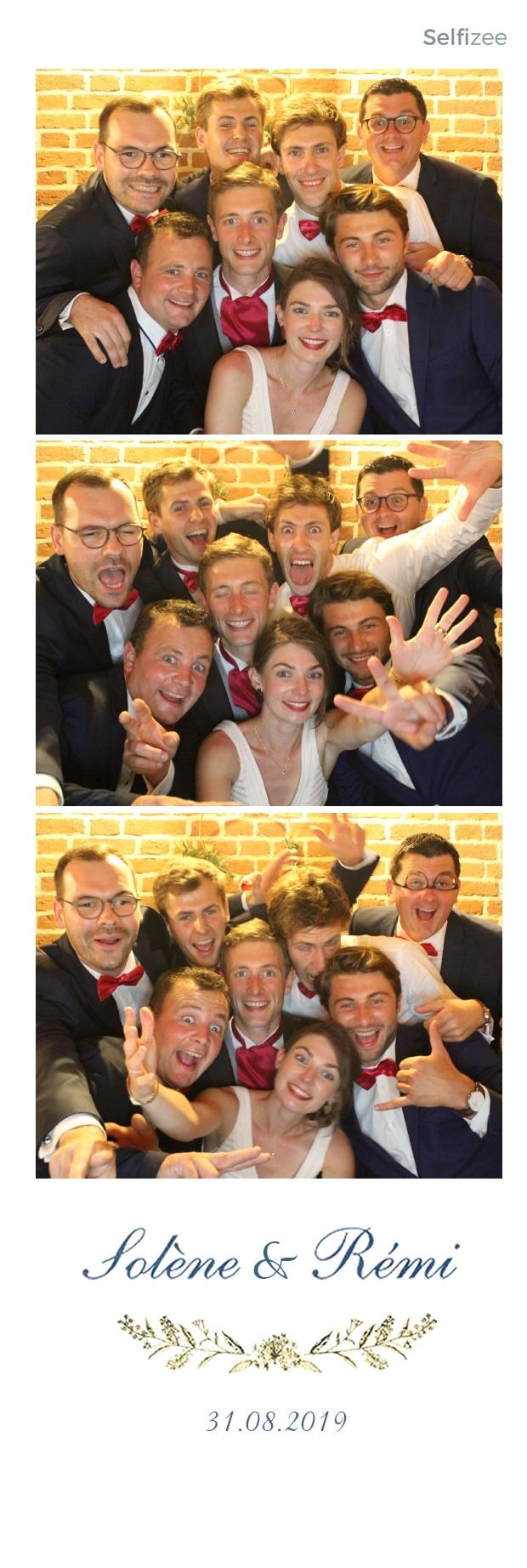 Impressions photos et selfies personnalisés mariage Orléans - borne photo à louer pour animation mariage, anniversaire, fête, baptême, soirée à Orléans et dans le Loiret