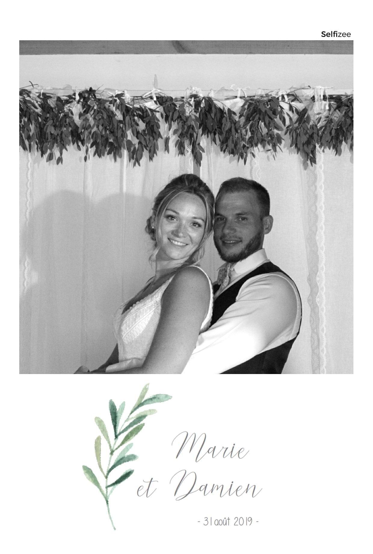 Borne photo connectée pour animation mariage à louer à Redon avec impressions selfies