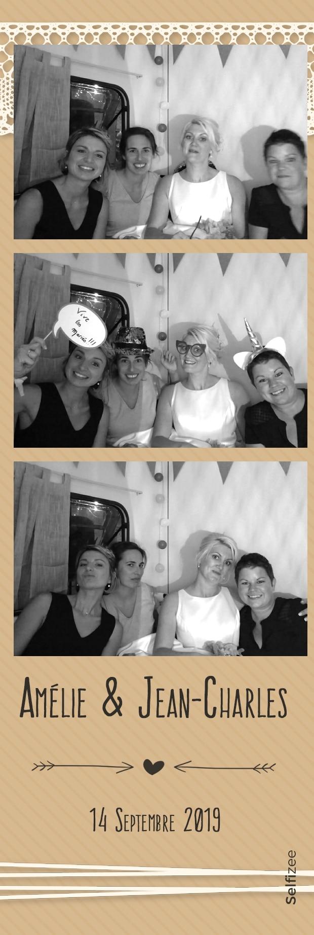 Borne photo connectée animation mariage avec impressions selfies à Laval - location photobooth mariage Laval / Mayenne pour photos personnalisées