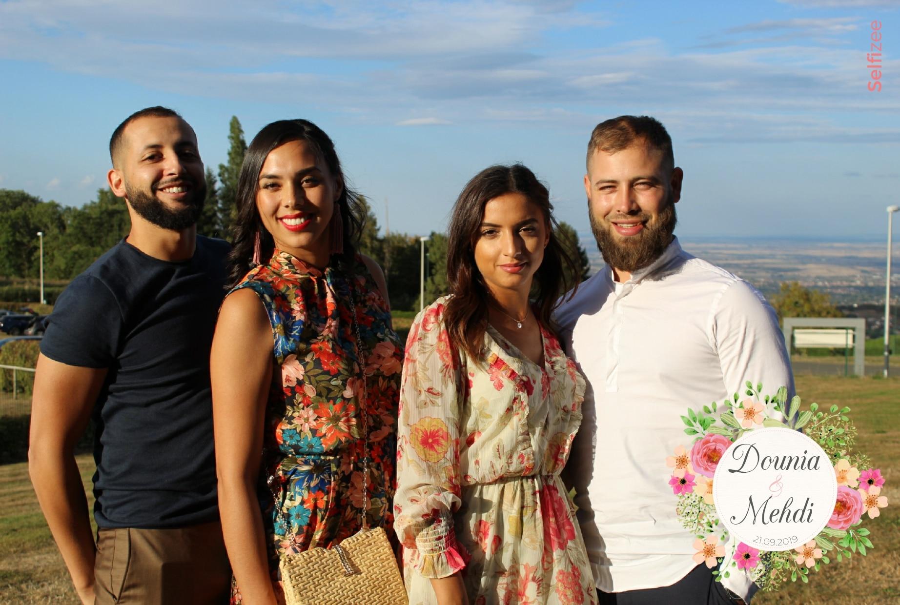 Photo mariage personnalisée avec borne selfie à louer pour animation mariage à Clermont Ferrand et en Puy de Dôme