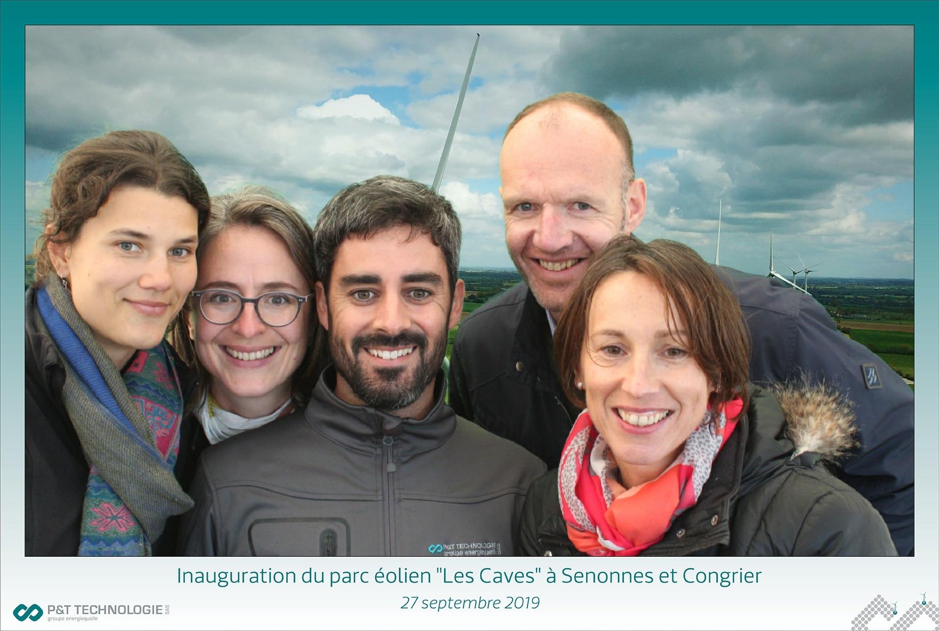 Selfie personnalisé au parc éolien Les Caves au sud de la Mayenne - animation borne photo fond vert inauguration Laval et en Mayenne