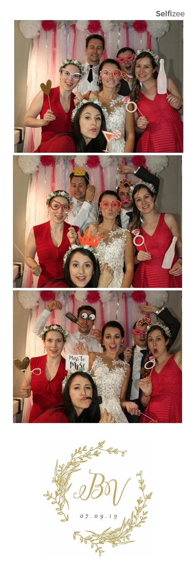Animation photo souvenir mariage format bandelette avec borne selfie à louer à Carnac ou Morbihan