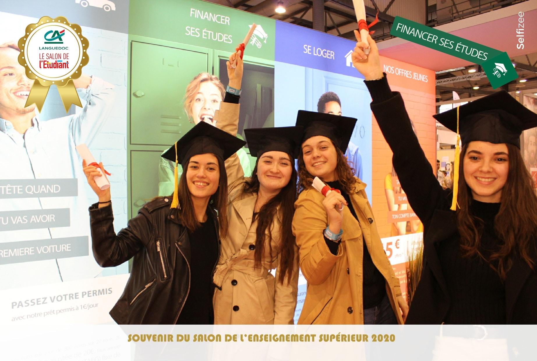 Photo personnalisée avec animation borne selfie et accessoires au stand Crédit Agricole du Languedoc au salon de l'Enseignement Supérieur Montpellier 2020