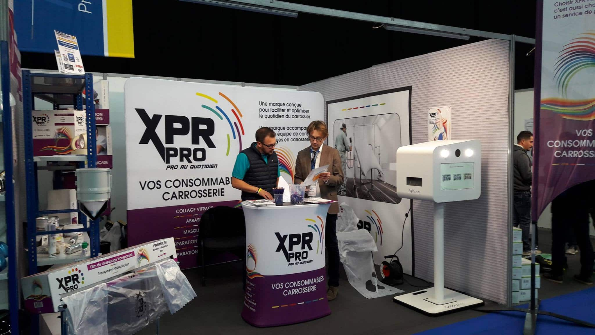 Animation borne photo stand XPR Pro au salon Inotech 2018 à la Grande Halle d'Auvergne dans l'agglomération de Clermont Ferrand avec selfies personnalisés pour les visiteurs
