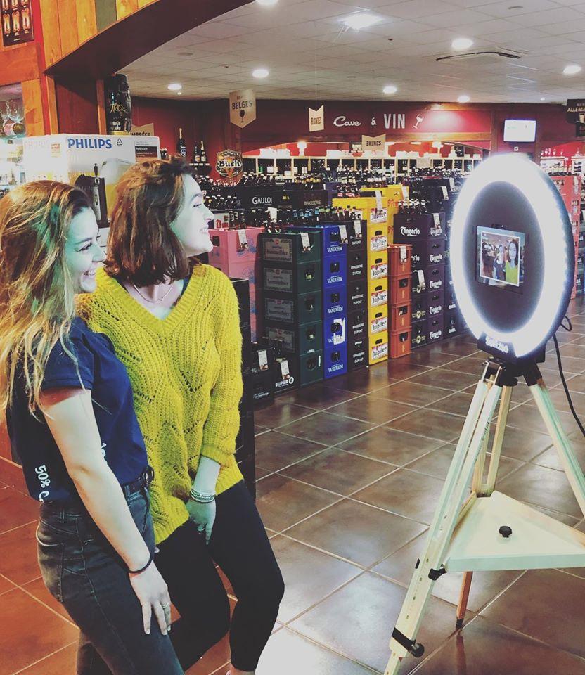 Borne photo Spherik au magasin V and B Merignac à côté de Bordeaux à louer pour animation fête