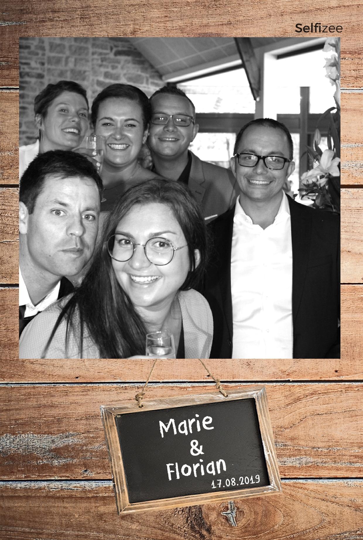 Selfie mariage à Lorient avec location animation borne photo mariage dans le Morbihan