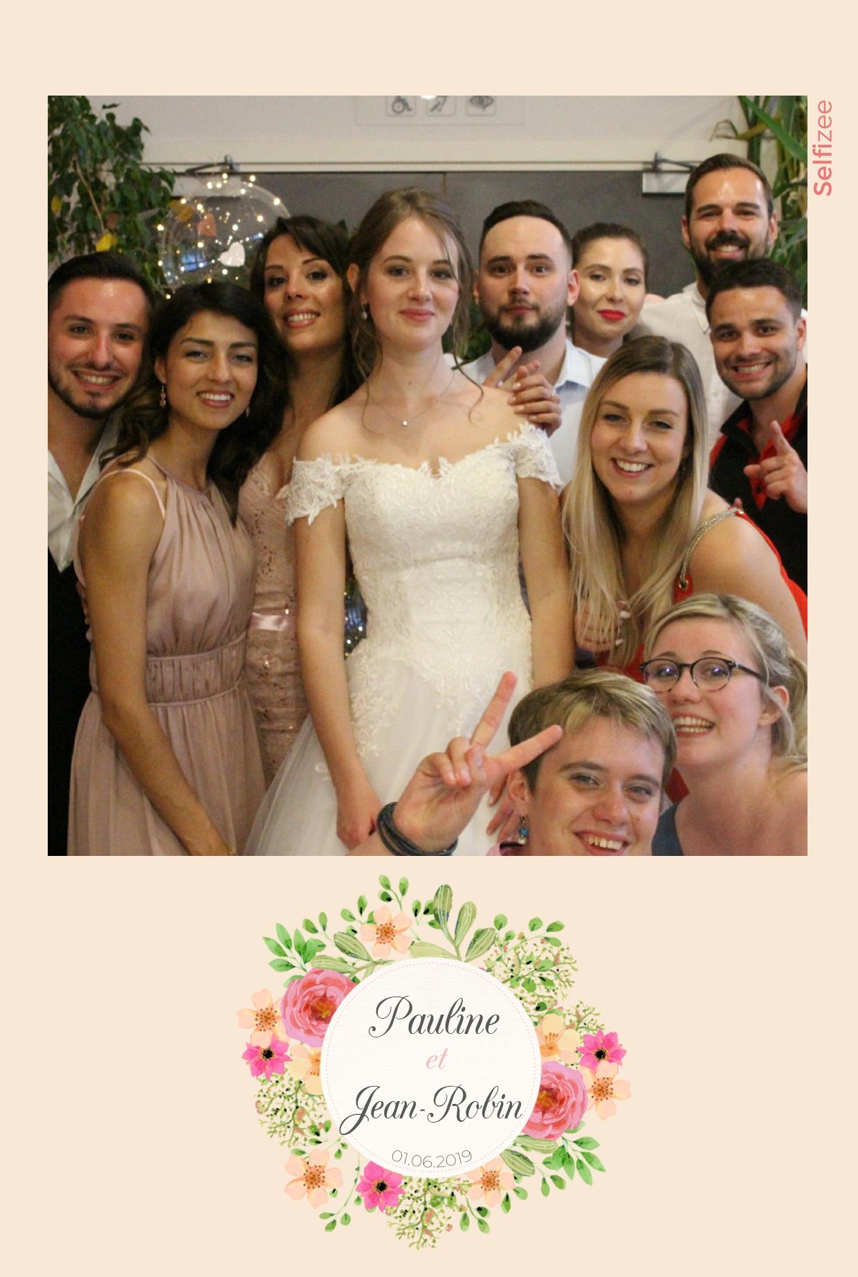 Photo mariage personnalisée avec borne selfie à louer Strasbourg / Bas Rhin pour animation mariage et impressions photos