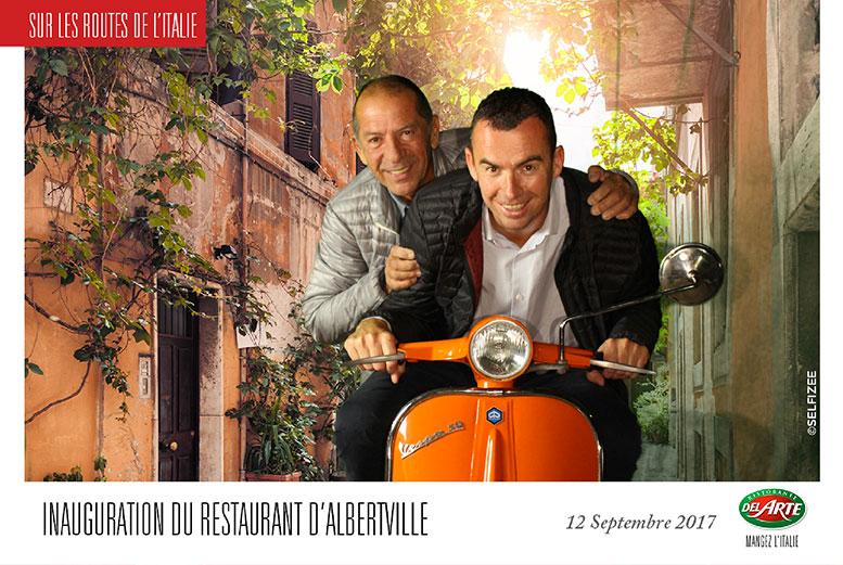 Borne photo et animation fond vert à l'inauguration du restaurant Del Arte Albertville en Savoie avec impressions photos